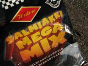 Halva päivitti sekoituspussinsa hiljattain, Salmiakki Mega Mix vuosimallia 2015. Foto: Suomen Salmiakkiyhdistys