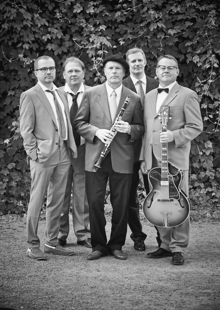Jahnukaiset från vänster till höger: Antti Seppänen, Juha Vihusaari, Jukka Tilsa, Juppo Paavola och Pasi Heikura. Photo © A-M Ruuska.